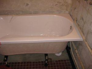Установка ванны акриловой