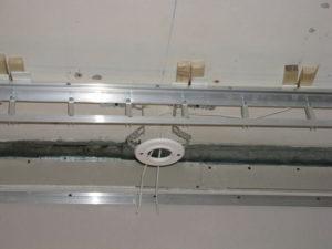 Замена открытой проводки (плинтус или подвесной потолок)